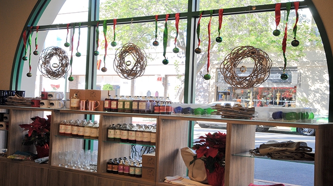 SLO Visitor Center: Your one-stop holiday shop